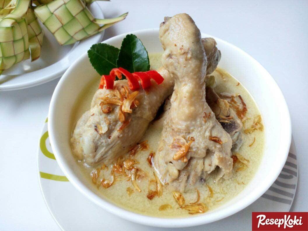 Opor Ayam Putih Gurih dan Istimewa - Resep | ResepKoki
