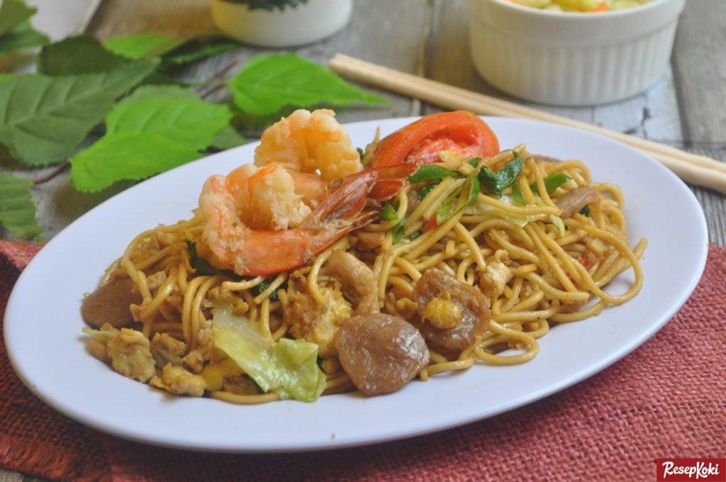 Begini 3 Tips Agar Kecap Bisa Tercampur Rata Pada Nasi