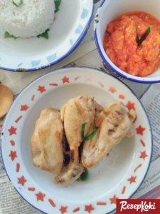 51 Resep Ayam khas Rumahan Populer yang Super Praktis dan Lezat